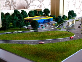 Modeling workshop makes realistic layouts